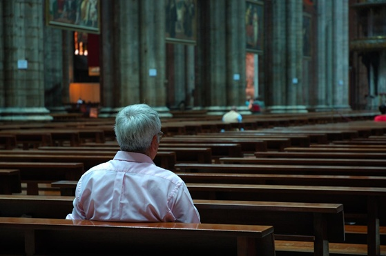 man-in-church-alone-1