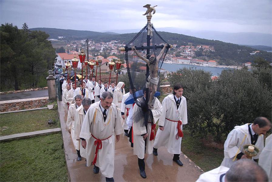 croatia_dalmatia_split_jelsa_easter_procession_001