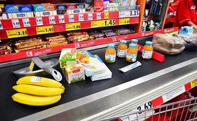 Grocery-store-conveyor-belt-1