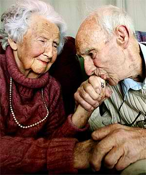 old-couple-1tuo02g[1]