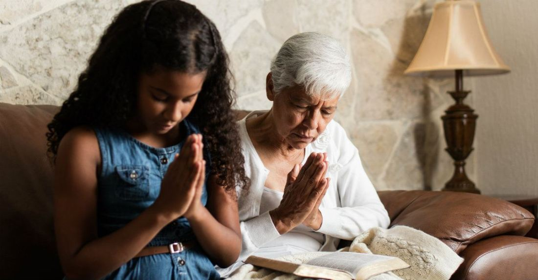 65389-grandparent-praying-grandchild-getty--aldomur.1200w.tn