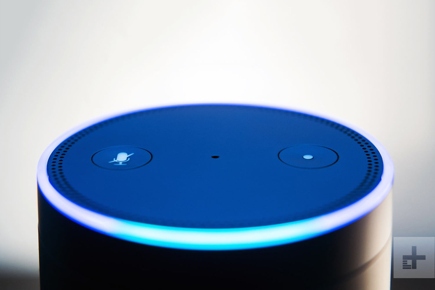 amazon-echo-alexa-closeup-top-2-1500x1000